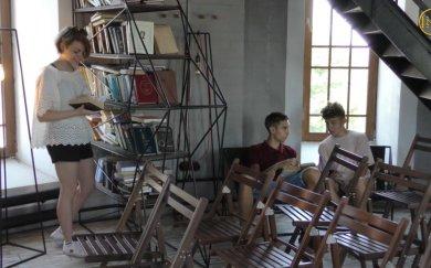 Волонтерські програми у маріупольському культурно-туристичному центрі «Вежа»