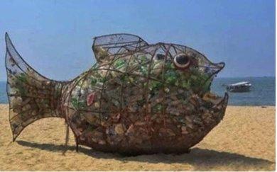 На Азовському узбережжі пластикового сміття стане менше