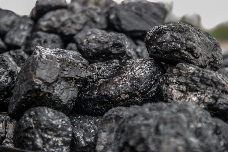 Вугілля за копійки: як з тимчасово окупованих територій Донбасу розпродають «чорне золото» регіону