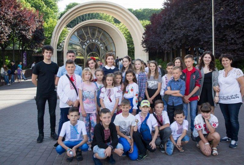 Діти з прифронтових територій відправились на відпочинок до Кіпру