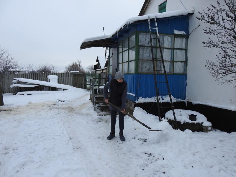 Мешканці Сходу України четверту зиму потерпають від холодів та небезпеки