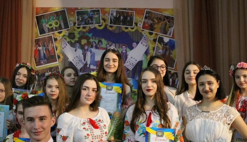 Дівчата з ліги поліцейських зайняли призові місця в конкурсі краси