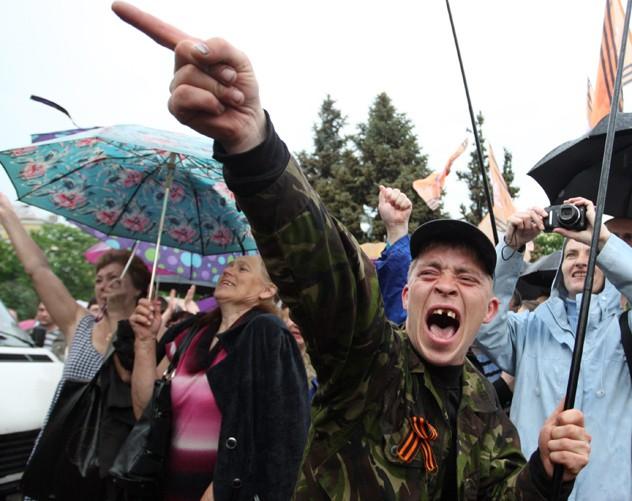 «Прийняти, але політичних прав не надавати»: в РФ відносяться до мешканців самопроголошених ЛДНР як до громадян «другого сорту»?