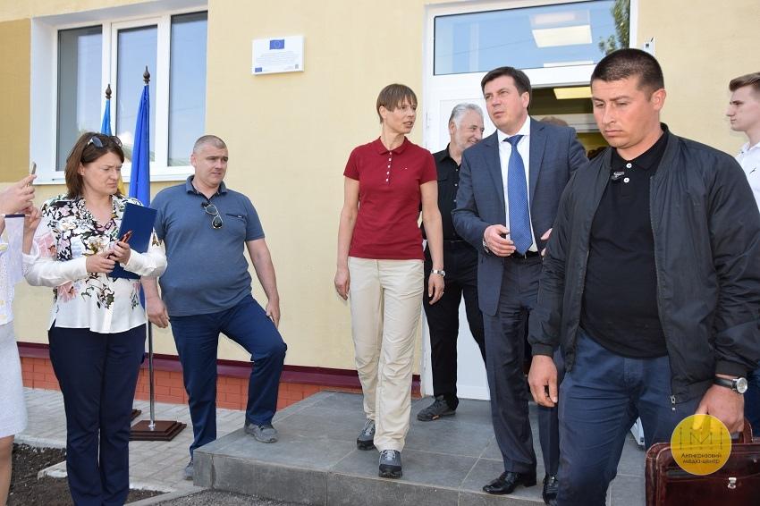 Президент Естонії відвідала гуртожиток для переселенців у Краматорську - Фото №3