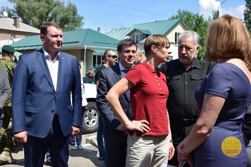 Президент Естонії відвідала гуртожиток для переселенців у Краматорську - Фото №2