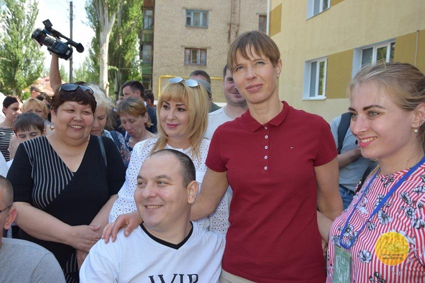 Президент Естонії відвідала гуртожиток для переселенців у Краматорську