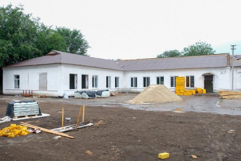 Реконструюють столітню початкову школу