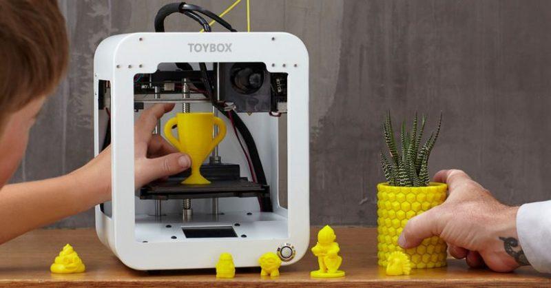 Молодь Покровська навчать користуватися 3D принтером