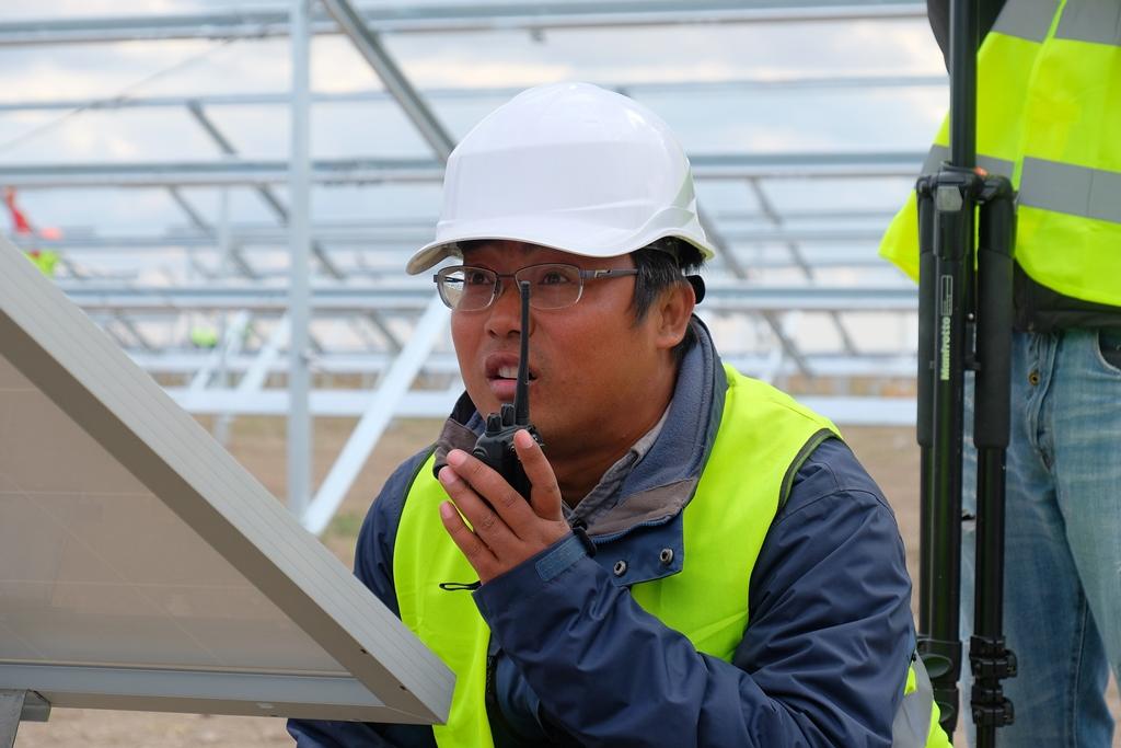 Будують найпотужнішу сонячну електростанцію в Україні - Фото №7