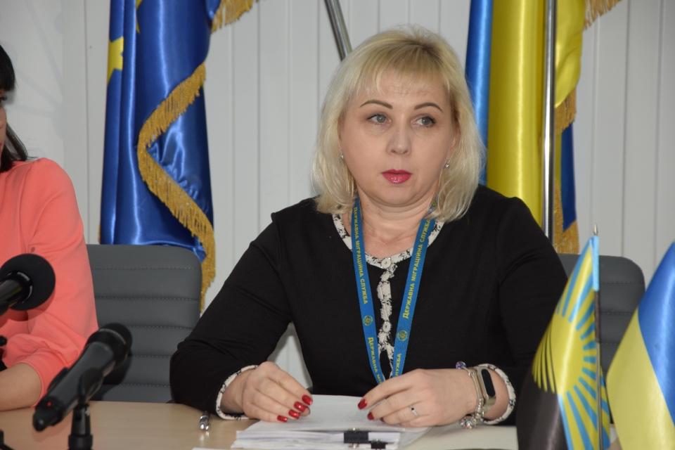 Адміністратори ЦНАПів Донецької області удосконалюють навички з видачи паспортів - Фото №2
