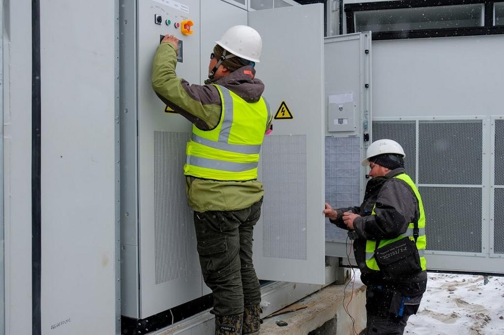 Запрацювала найпотужніша сонячна електростанція в Україні - Фото №3