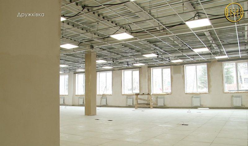 Прозорий соціальний офіс у Дружківці: будівельні роботи вже на фініші
