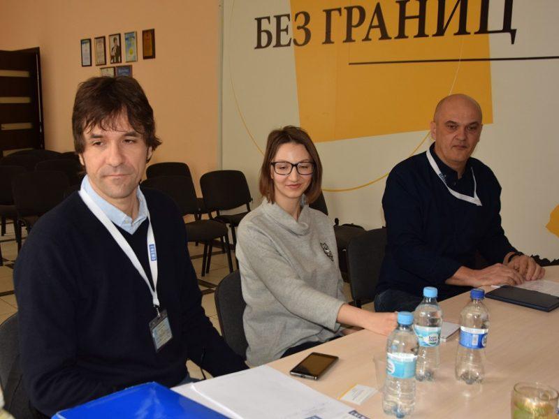 На Донеччині та Луганщині розпочали роботу міжнародні спостерігачі за виборами Президента України