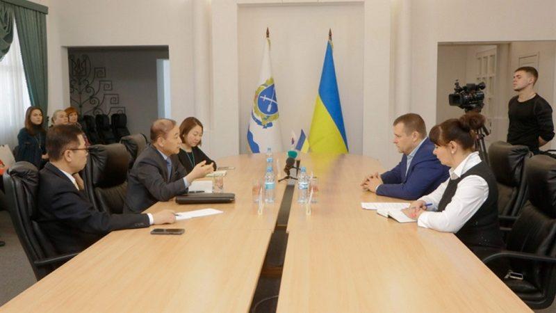 Посол Республіки Корея в Україні зустрівся з мером Дніпра