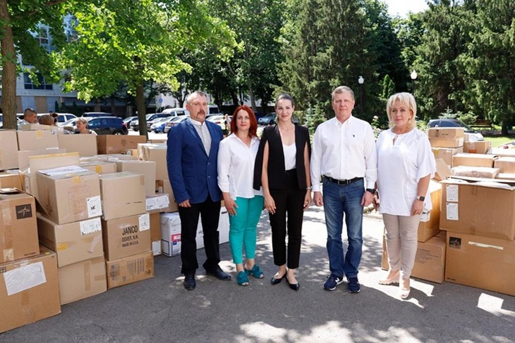 Гуманітарний вантаж від міжнародної організації Medical Teams International - Фото №1