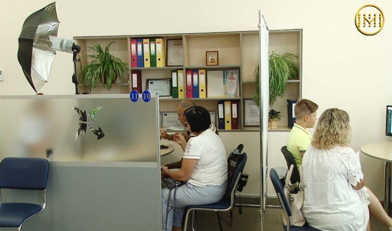 Робочі станції для виготовлення біометричних паспортів, мобільні офіси та кейси