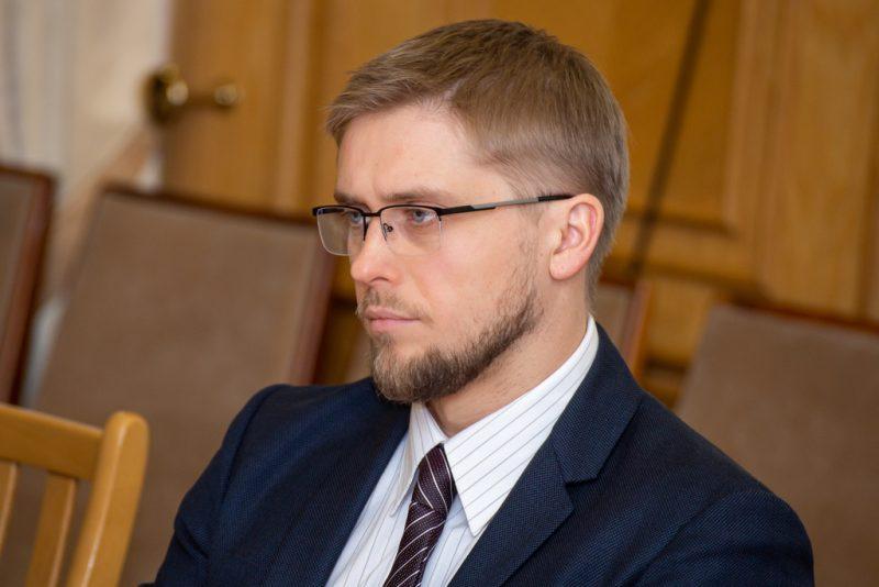 Дніпро ОДА: завершать реконструкцію і заплатять гроші