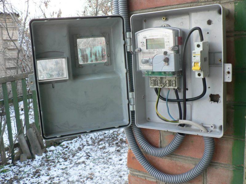 Двозонні лічильники електроенергії: як встановити, навіщо призначені та скільки коштують