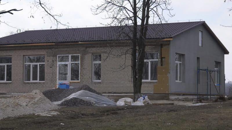 На Донеччині відновлюють об'єкти сільської медицини