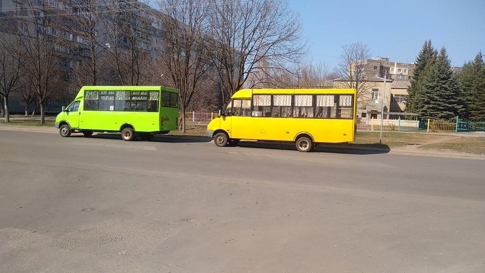 У тролейбус не більше 10 пасажирів: як поліція перевіряє карантинні обмеження в Краматорську - Фото №1