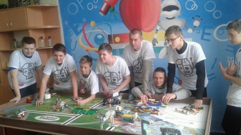 Влітку в Краматорську планують організувати пришкільні табори з робототехніки