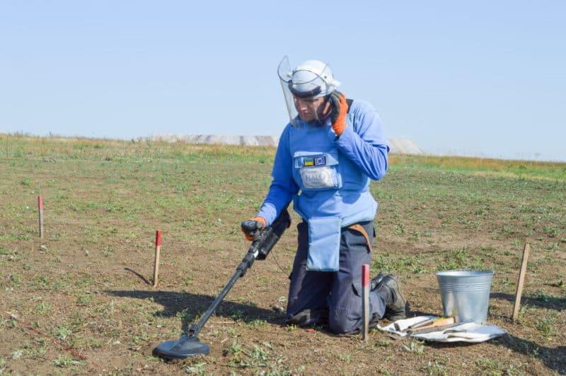 Ехо нової війни на Донбасі: яку вибухівку знаходять демінери