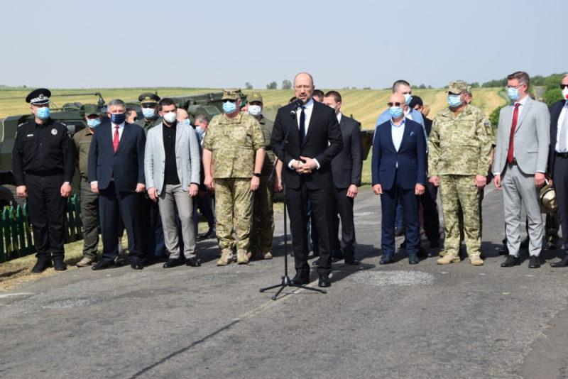 Кабмін має чіткий план розвитку Донецької і Луганської областей та розробляє шляхи реінтеграції окупованих територій
