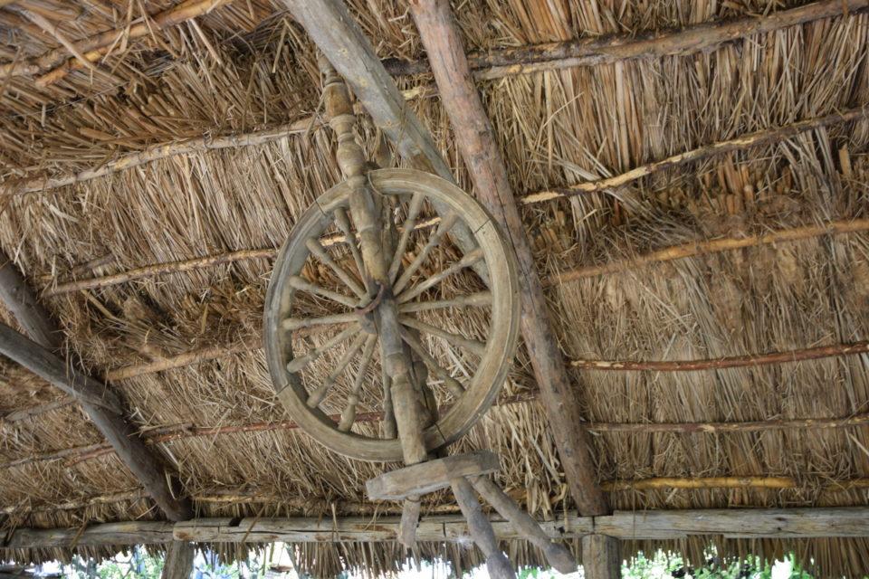 Старовинна будівля в селі Маяки Слов'янського району - Фото №8