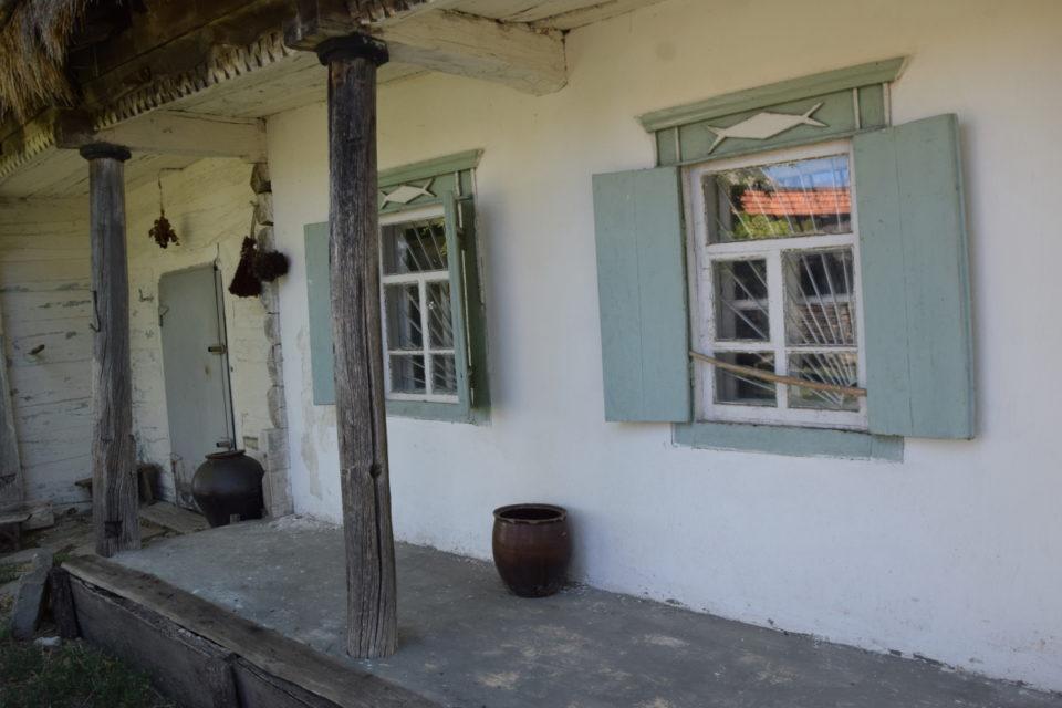 Старовинна будівля в селі Маяки Слов'янського району - Фото №10