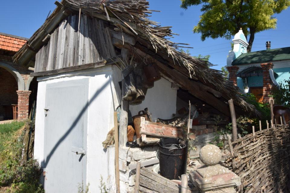 Старовинна будівля в селі Маяки Слов'янського району - Фото №11