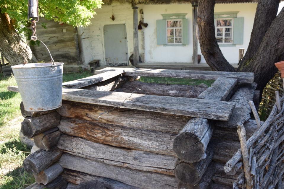 Старовинна будівля в селі Маяки Слов'янського району - Фото №12