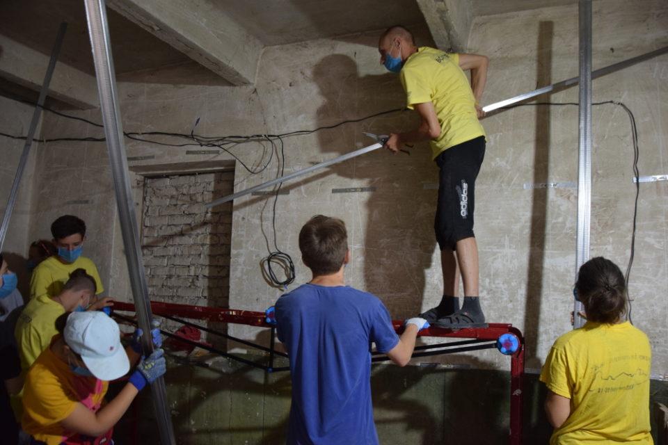 Волонтери БУР приїхали на Донеччину будувати Україну - Фото №4