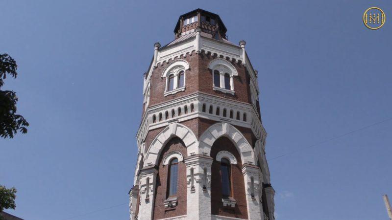 Культурно-туристичний центр зі старої вежі у Маріуполі