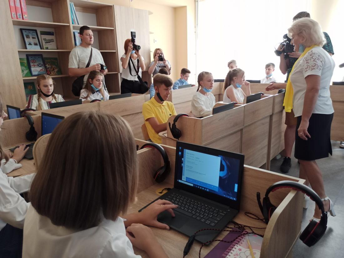 В Донецькій області 5 опорних шкіл відремонтовано до нового навчального року - Фото №7