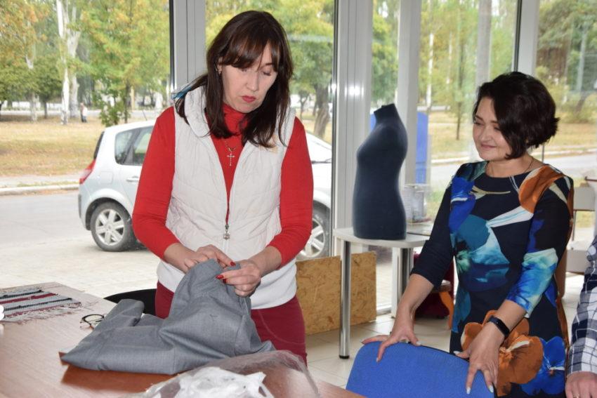 Покровські підприємниця та викладачка об'єдналися разом, аби навчати кваліфікованих швачок - Фото №1