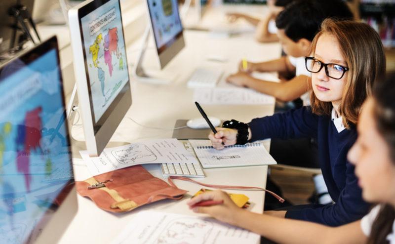 Діджиталізація в освіті – що саме змінюють в українських школах