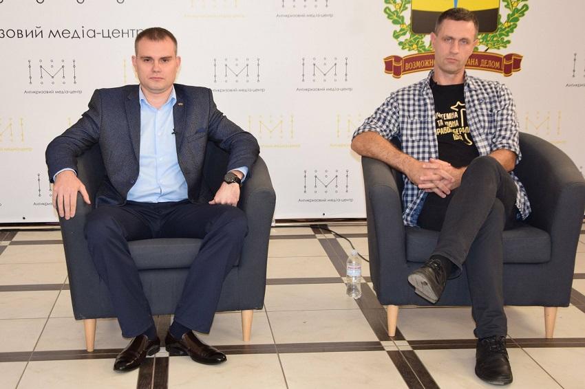 «Партія миру та розвитку» та «Демократична Сокира» - у Краматорську дискутували кандидати в міськраду - Фото №1
