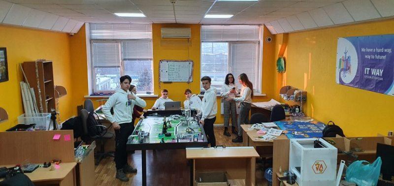 Українські учні шукають рішення проблем сучасного світу через створення IT-проєктів