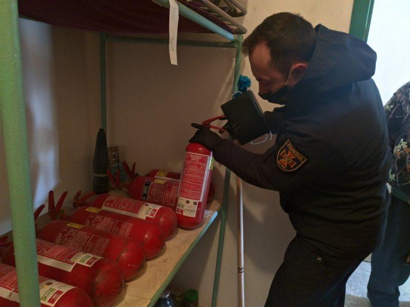 1064 порушення правил пожежної безпеки виявили рятувальники Донеччини під час позапланових перевірок соціальних закладів